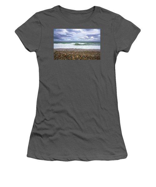 Montauk Shore Break Women's T-Shirt (Athletic Fit)