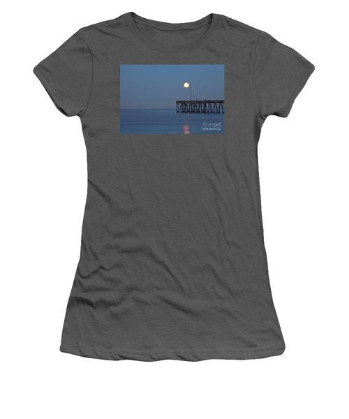 Women's T-Shirt (Junior Cut) featuring the photograph Moonset At The Ventura Pier by John A Rodriguez