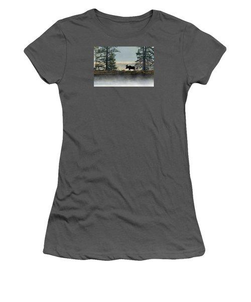 Moose Surprise Women's T-Shirt (Athletic Fit)