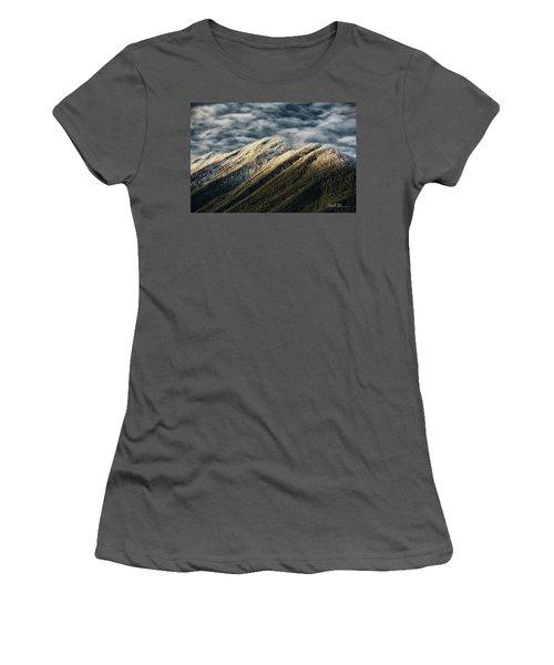 Mount Higgins Clouds Women's T-Shirt (Athletic Fit)