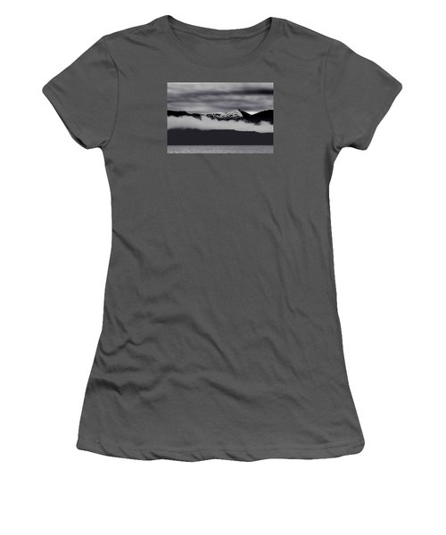 Mountain Contrast Women's T-Shirt (Athletic Fit)