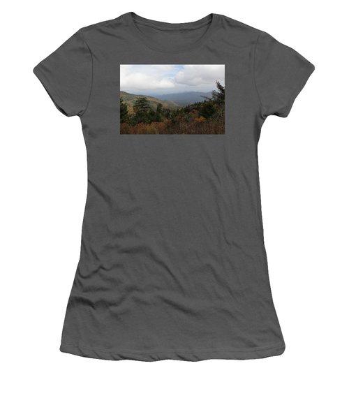 Mountain Ridge View Women's T-Shirt (Athletic Fit)