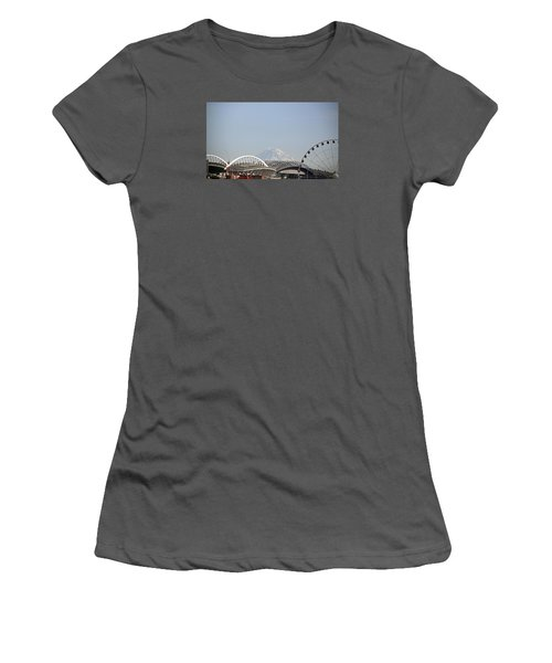 Mountains And City Women's T-Shirt (Athletic Fit)