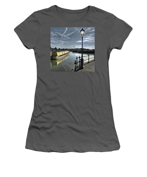 Narrowboat Idly Dan At Barton Marina On Women's T-Shirt (Athletic Fit)