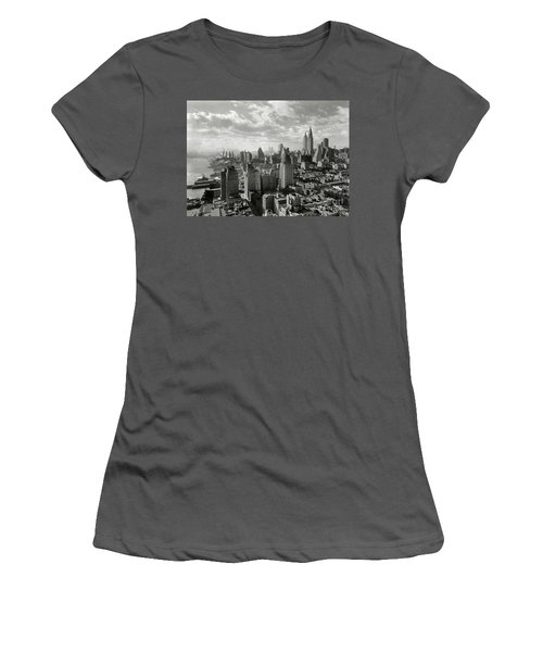New Your City Skyline Women's T-Shirt (Athletic Fit)