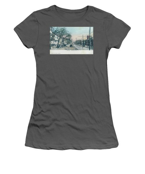 Newburgh Broadway - 04 Women's T-Shirt (Athletic Fit)