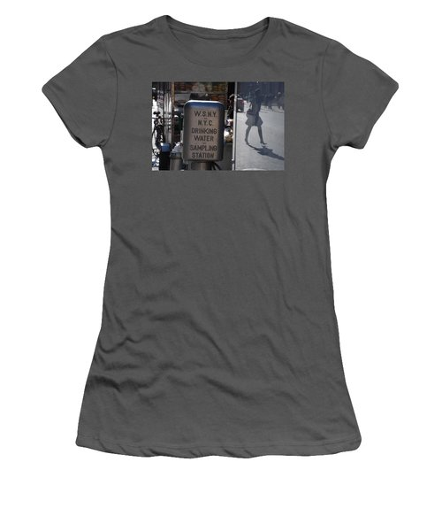 Women's T-Shirt (Junior Cut) featuring the photograph Nyc Drinking Water by Rob Hans