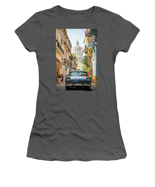 Old Car And El Capitolio Women's T-Shirt (Athletic Fit)