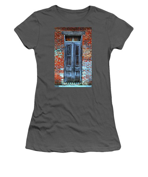 Old Door With Bricks Women's T-Shirt (Athletic Fit)