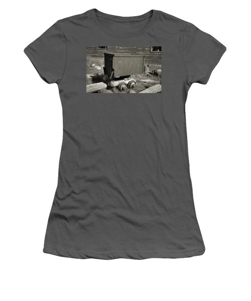 Old Mining Cart Women's T-Shirt (Athletic Fit)