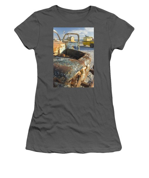 Old Truck In The Beach Women's T-Shirt (Athletic Fit)