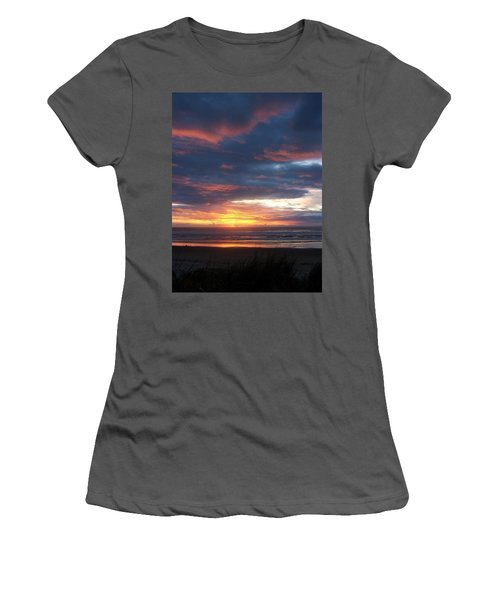 Oregon Coast 11 Women's T-Shirt (Athletic Fit)