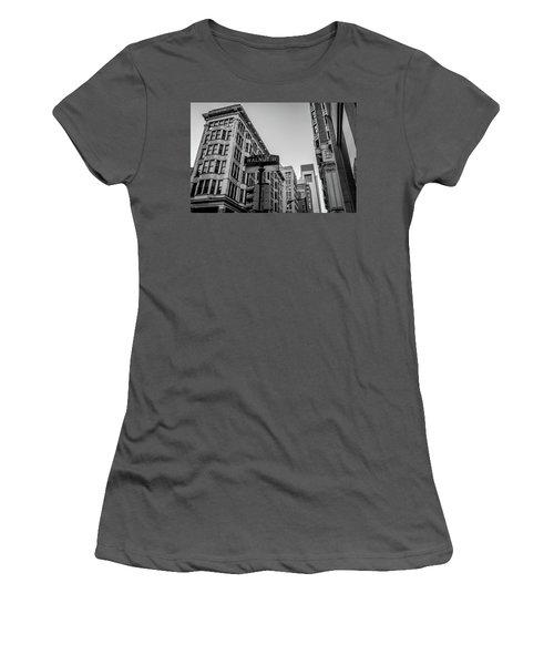 Philadelphia Urban Landscape - 0980 Women's T-Shirt (Junior Cut) by David Sutton