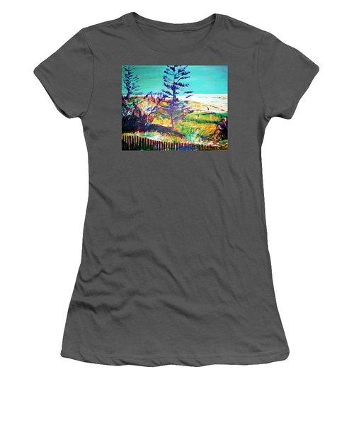 Pine Tree Pandanus Women's T-Shirt (Junior Cut) by Winsome Gunning