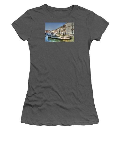 Plaza Navona Rome Women's T-Shirt (Athletic Fit)