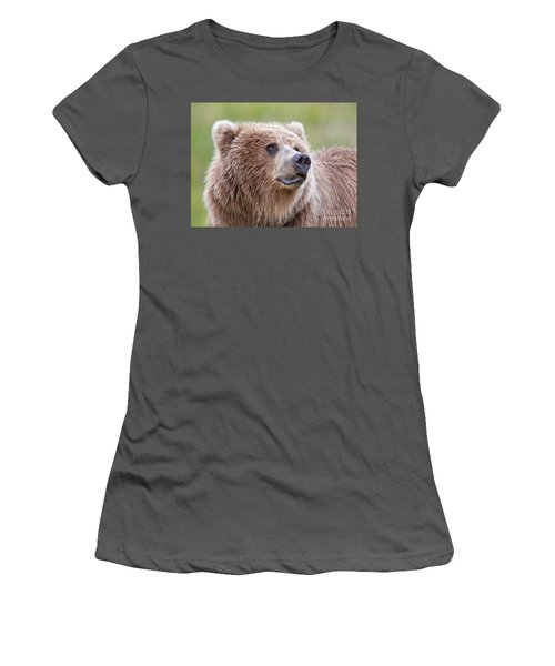 Portrait Of A Grizzly Women's T-Shirt (Athletic Fit)