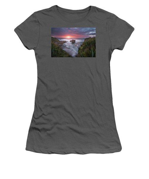 Punakaiki Women's T-Shirt (Athletic Fit)