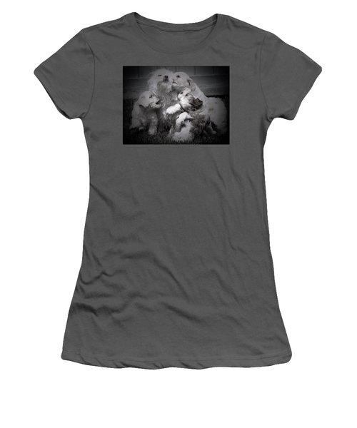 Puppy Vignette Women's T-Shirt (Athletic Fit)