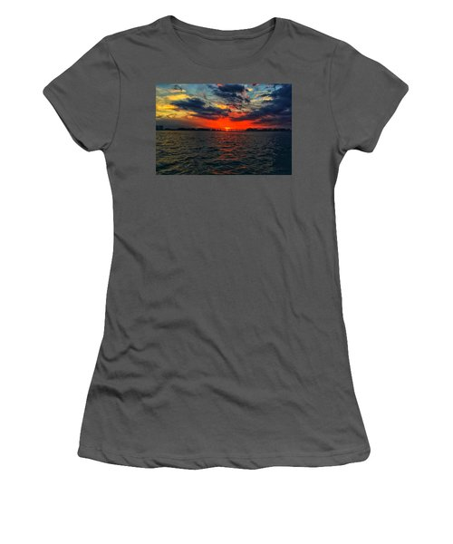 Red Sky  Women's T-Shirt (Athletic Fit)