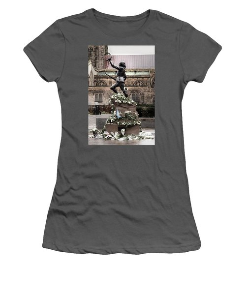 Richard The Third Statue Women's T-Shirt (Athletic Fit)