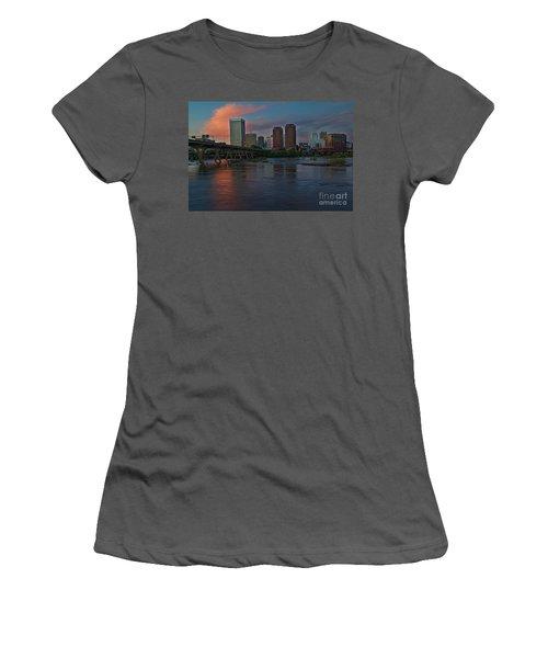 Richmond Dusk Skyline Women's T-Shirt (Athletic Fit)