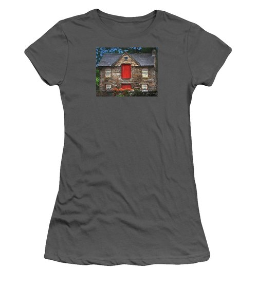 Roscommon Cottage Women's T-Shirt (Athletic Fit)