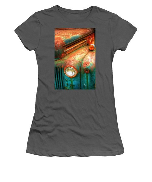 Rusty Old Ford Women's T-Shirt (Athletic Fit)