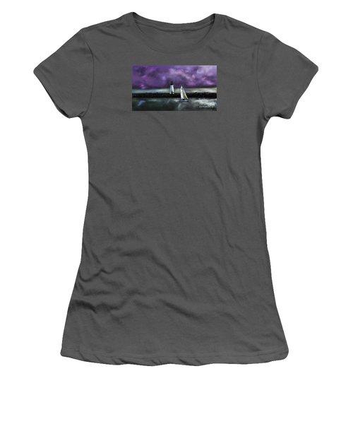 Santa Cruzin Women's T-Shirt (Athletic Fit)