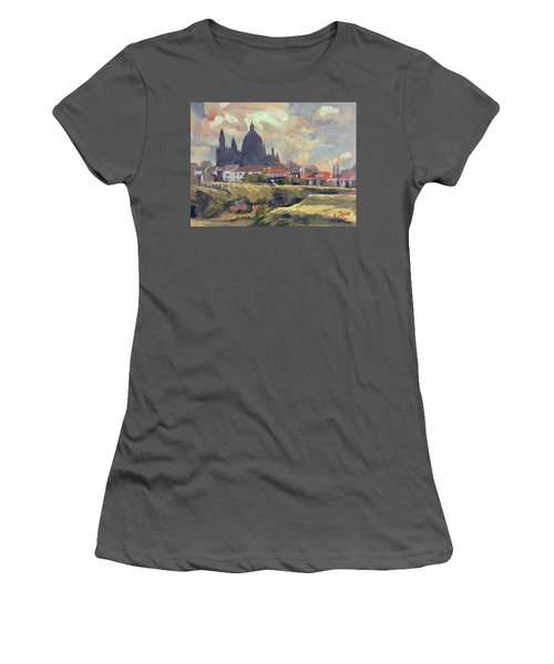 Silhouet Saint Lambertus Church Maastricht Women's T-Shirt (Athletic Fit)