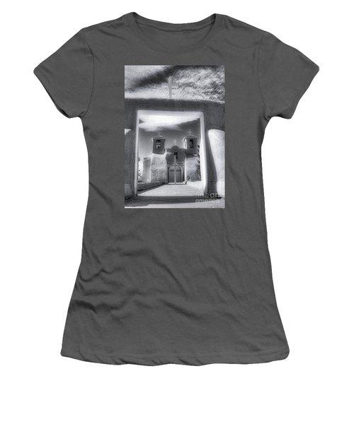 St. Francisco De Asis Women's T-Shirt (Athletic Fit)