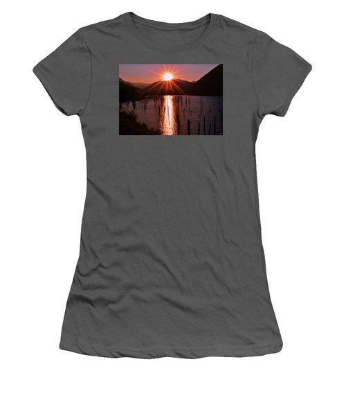 Starburst Sunrise - Earthquake Lake 005 Women's T-Shirt (Athletic Fit)