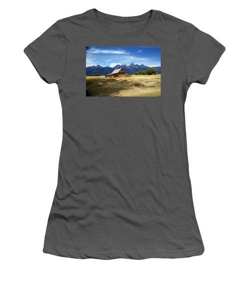 Teton Barn 3 Women's T-Shirt (Athletic Fit)