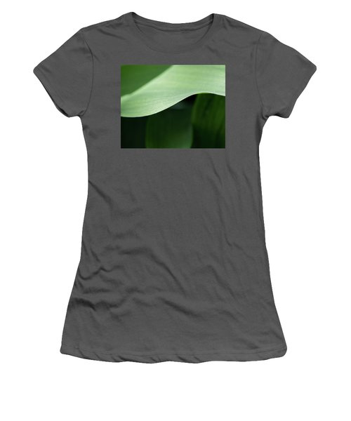 The Allure Of A Curve - Women's T-Shirt (Athletic Fit)
