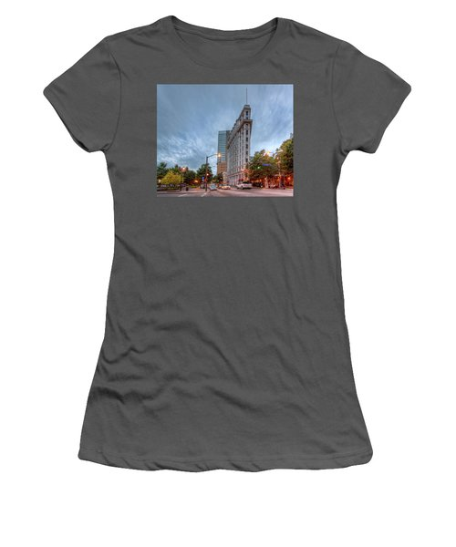 The English--american Building. Atlanta Women's T-Shirt (Athletic Fit)