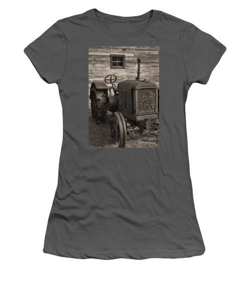 The Old Mule  Women's T-Shirt (Athletic Fit)