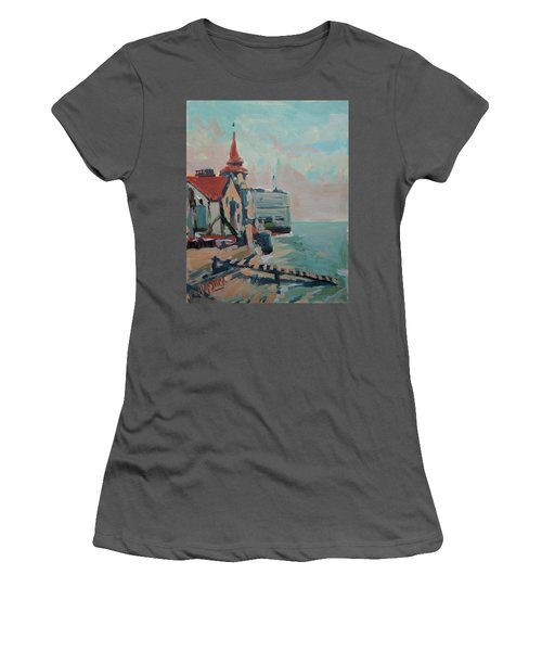 The Round Tower Of Portsmouth Women's T-Shirt (Athletic Fit)