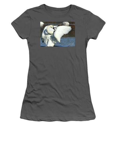 Trumpeter Swan Women's T-Shirt (Junior Cut)