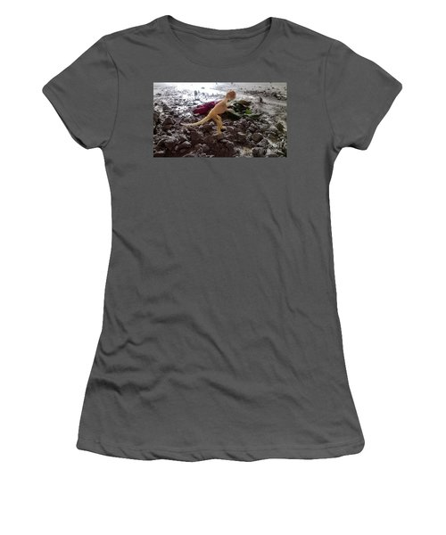 Uncovered Dinosaur Bones Yet Never One Slave Ship Found And It's 2017 Women's T-Shirt (Athletic Fit)