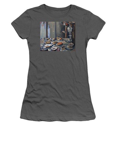 Une Coupe A Gingembre En Cristal De La Patisserie Royale A Maastricht Women's T-Shirt (Athletic Fit)