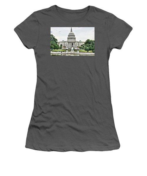 U.s. Capitol Building Women's T-Shirt (Athletic Fit)