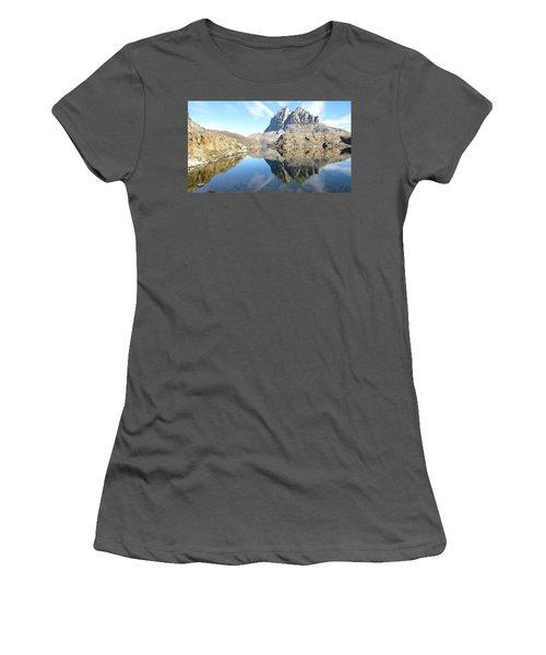 Uumm Lake Women's T-Shirt (Athletic Fit)