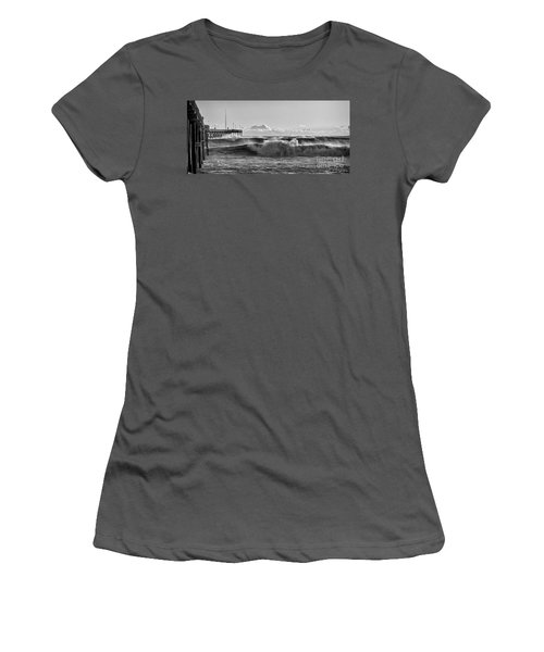 Ventura Pier El Nino 2016 Women's T-Shirt (Athletic Fit)