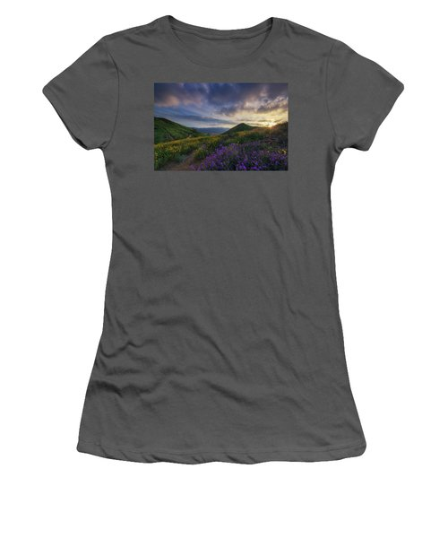 Walker Canyon Women's T-Shirt (Athletic Fit)