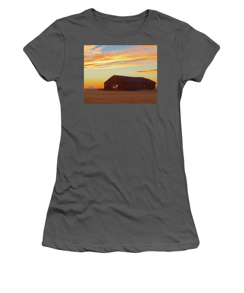 Weathered Barn Sunset Women's T-Shirt (Athletic Fit)