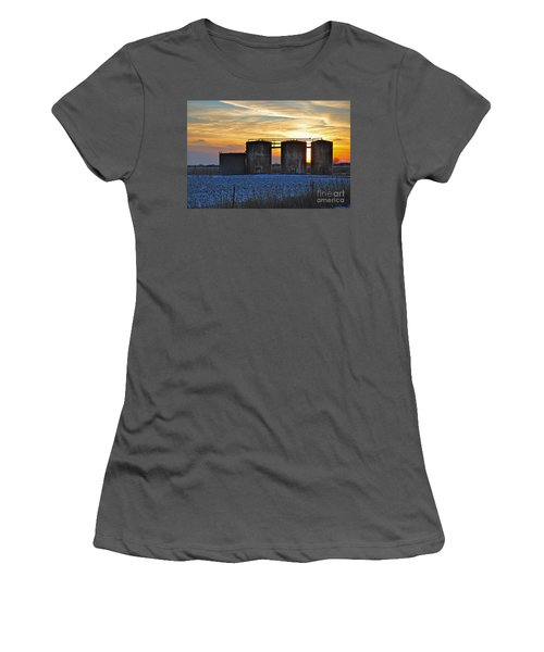Wellsite Sunset Women's T-Shirt (Athletic Fit)