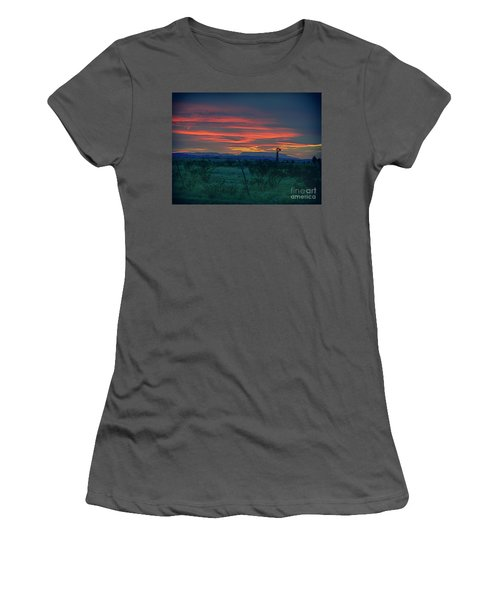 Western Texas Sunset Women's T-Shirt (Athletic Fit)