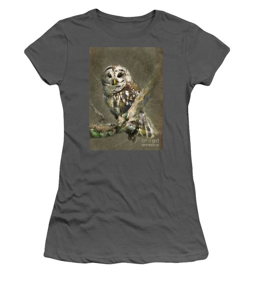 Whoooo Women's T-Shirt (Athletic Fit)