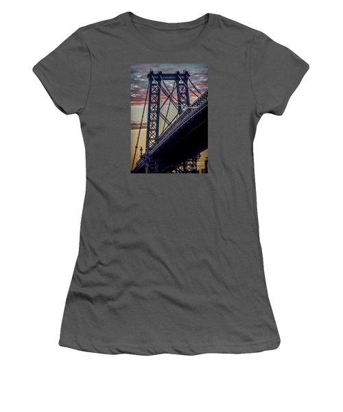 Williamsburg Bridge Structure Women's T-Shirt (Athletic Fit)