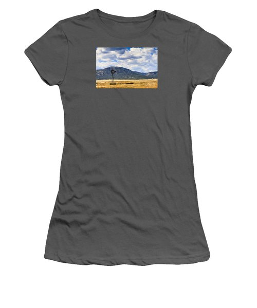 Windmill New Mexico Women's T-Shirt (Athletic Fit)