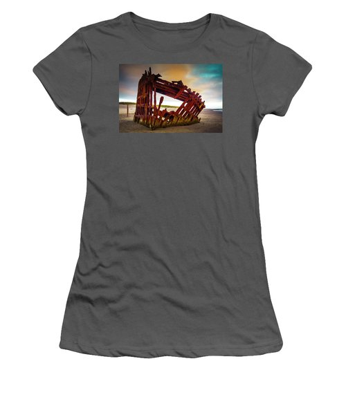 Worn Rusting Shipwreck Women's T-Shirt (Athletic Fit)